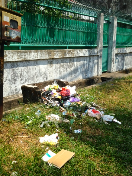 The trash reality in Makassar